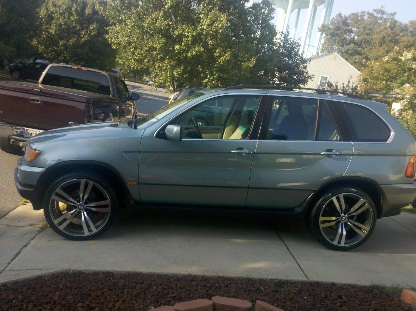 Bmw X5 On 22 Quot Staggered X6m Style Wheels Sweet