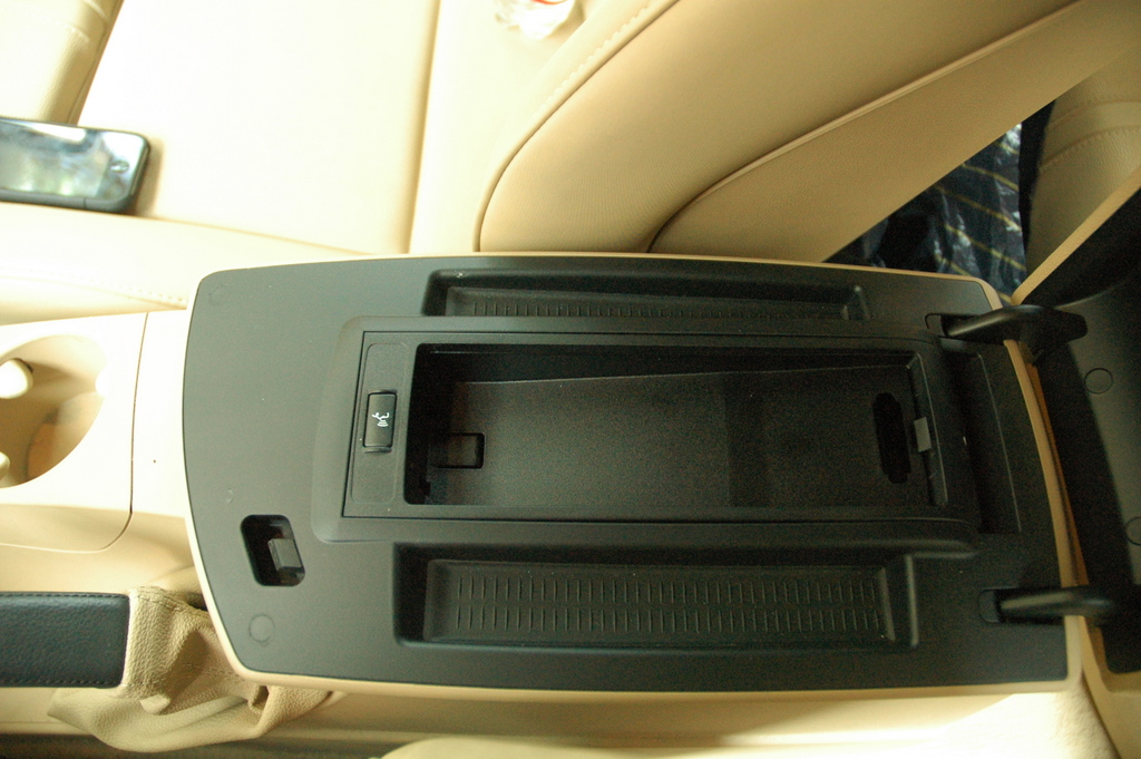 separation shoes 700f3 b477a NEW IPHONE HOLDER FOR BMW X3