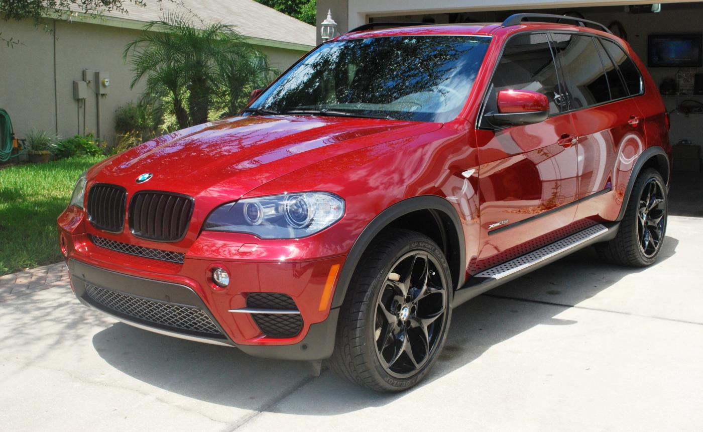 Official Vermillion Red Metallic A82 E70 X5 Picture