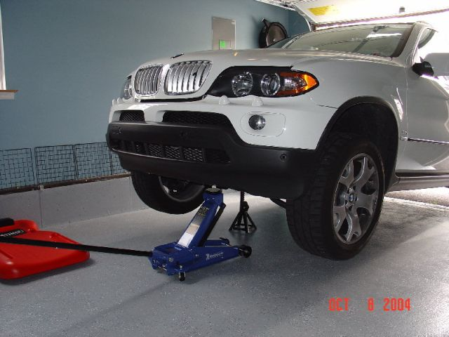 can i jack up the e70 like this  xoutpost com 2014 BMW X3 2012 BMW X3